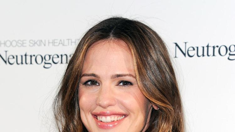 Neutrogena brand ambassador and actress Jennifer Garner attends the 2013 Neutrogena Sun Summit at the Chelsea Arts Tower on Wednesday March 13, 2013 in New York. (Photo by Evan Agostini/Invision/AP)