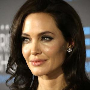 Angelina Jolie removes female organs amid cancer fears