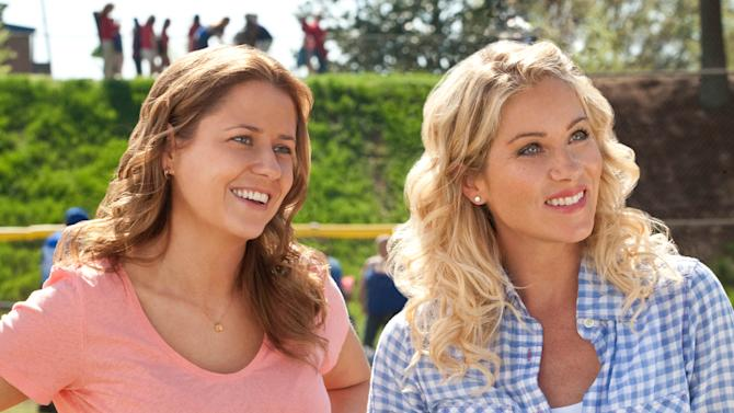 "In this film publicity image released by Warner Bros., Jenna Fischer, left, and Christina Applegate are shown in a scene from, ""Hall Pass."" (AP PHoto/Warner Bros., Peter Iovino)"