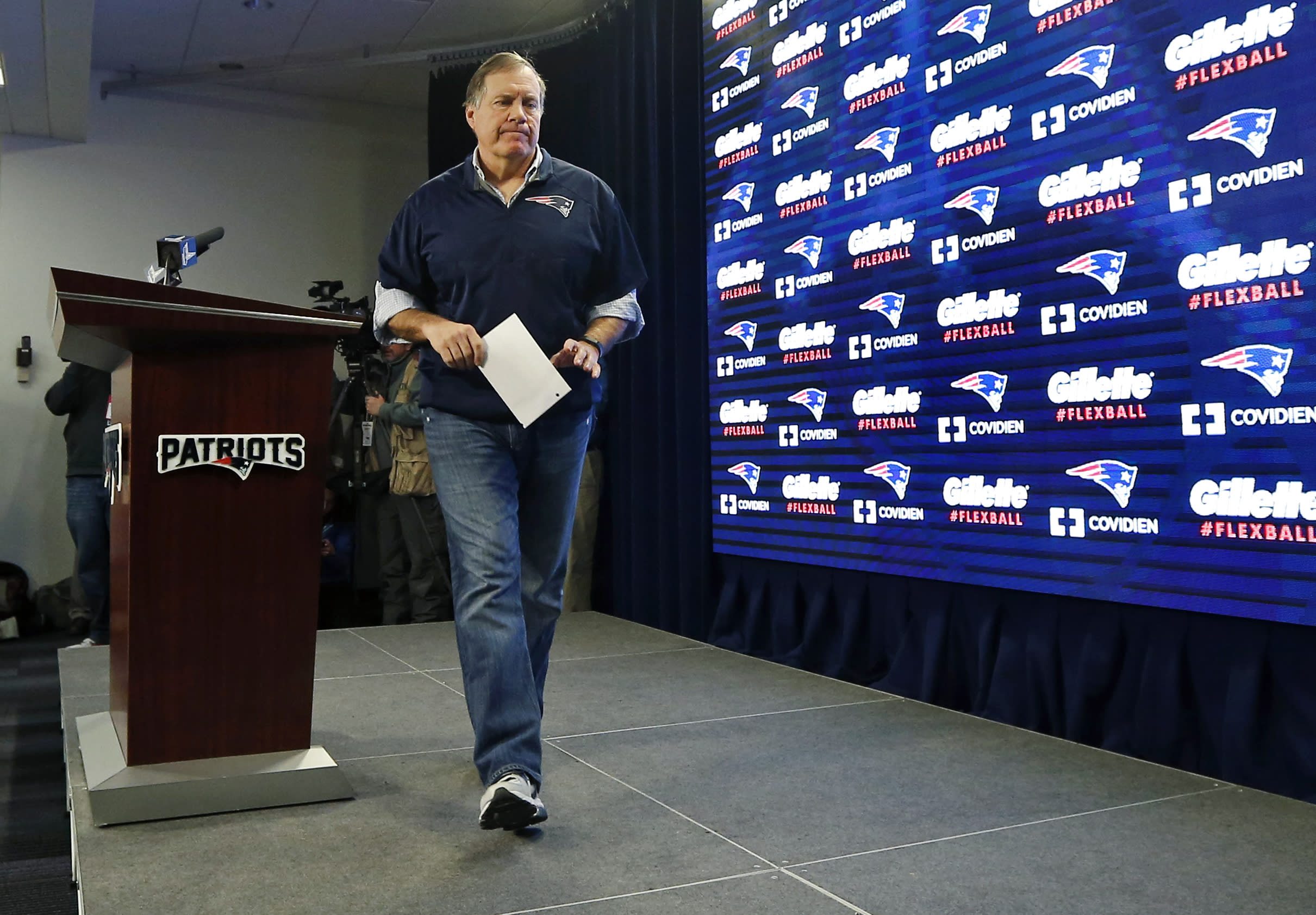 Column: Deflategate should keep Belichick out of Super Bowl