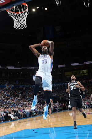 Durant, Thunder snap Spurs' win streak, 94-88