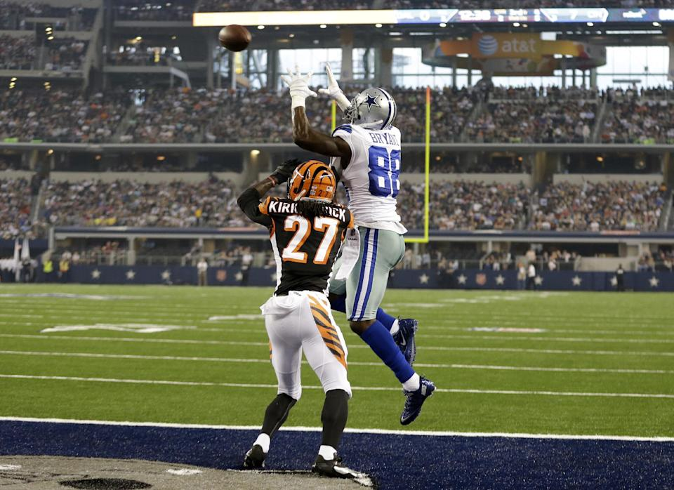 Romo 2 TD passes, Cowboys beat Bengals 24-18