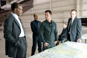 Danny Glover , Elias Koteas , Mark Wahlberg , Rade Serbedzija and Jonathan Walker in Paramount Pictures' Shooter