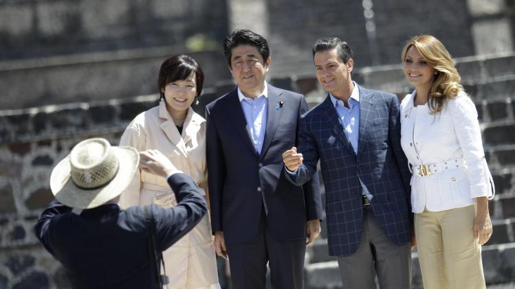Japan's first lady Akie, Japan's PM Abe, Mexico's President Nieto and Mexico's first lady Rivera pose for a picture at the Teotihuacan archaeological site on the outskirts of Mexico City