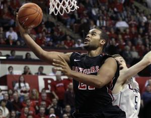 Rutgers upsets No. 8 Connecticut 67-60