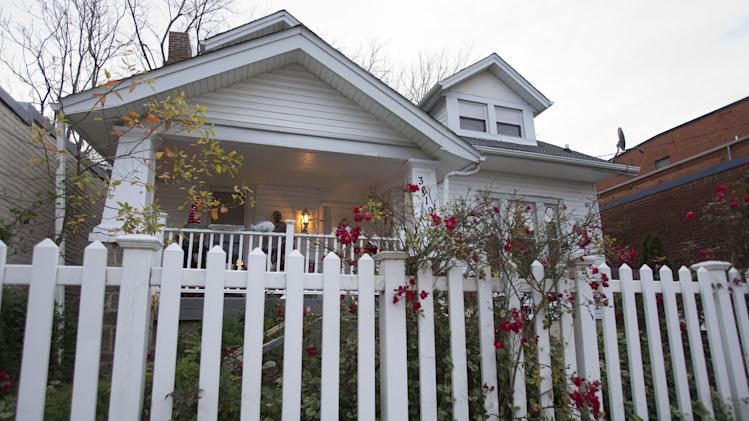 In this Thursday, Dec. 20, 2012, photo, the B&B, Aunt Bee's Little White House is seen in Washington. The six-room bed and breakfast in northeast Washington still had two rooms available for the presidential inauguration as of the week before Christmas, with rates starting at $225 a night. (AP Photo/Jacquelyn Martin)