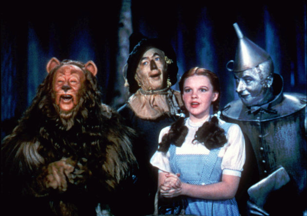 Judy Garland dress from The Wizard Of Oz is being auctioned
