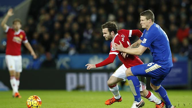 Leicester City's Jamie Vardy and Manchester United's Juan Mata