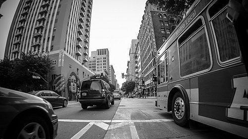 Morning Linkage: The Most Sapphic House in Bev Hills, Big Blue Bus App Launch