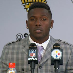 Pittsburgh Steelers wide receiver Antonio Brown reacts to final play