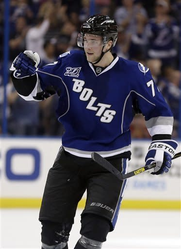 Malone scores 2 goals in Lightning win