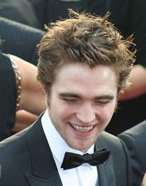 Would Someone Give Robert Pattinson a Chance to Be Funny?