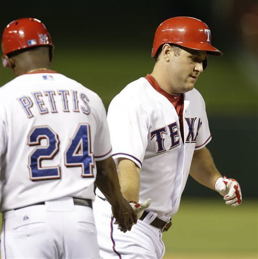 Berkman, Rangers extend Tribe losing streak to 8