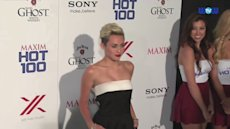 Miley Cyrus tops Maxim&#39;s Hot 100