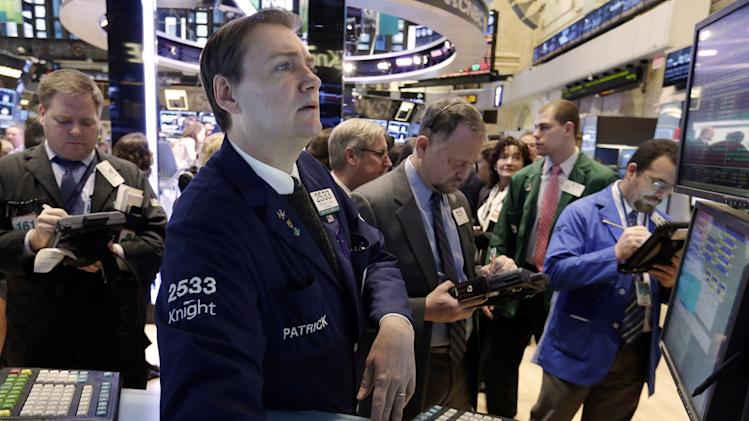 US stocks fall ahead of earnings season kickoff