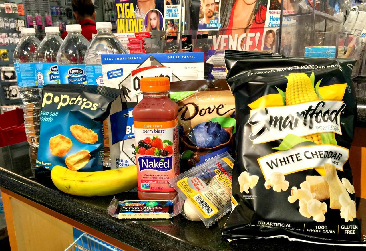 How to Create a Perfectly Healthy Meal at an Airport Newsstand