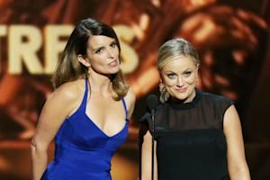 Amy Poehler and Tina Fey to Host Golden Globes for Next 2 Years