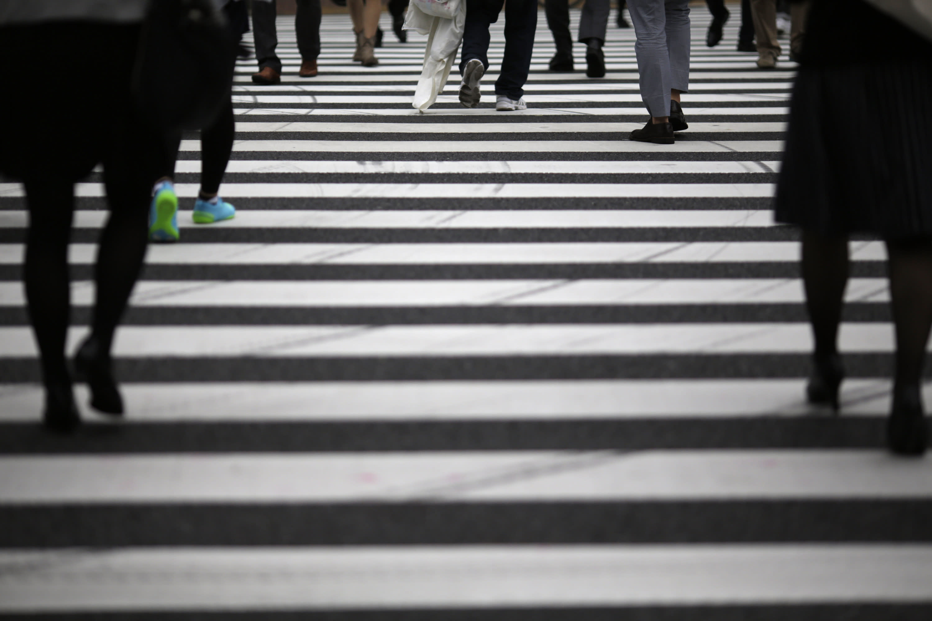 Japan plans extra budget, handouts, to pump up recovery