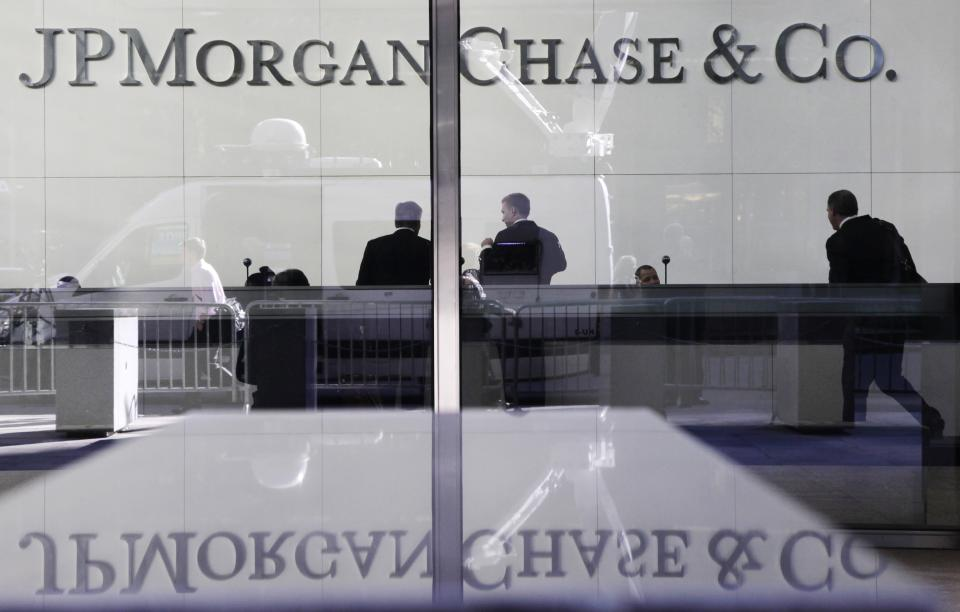 JPMorgan to scale back troubled-mortgage jobs