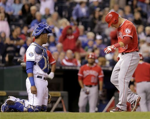 Morales hits 2-run HR in 8th, Angels rally past KC