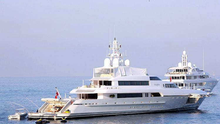 Kid Rock Yacht In France