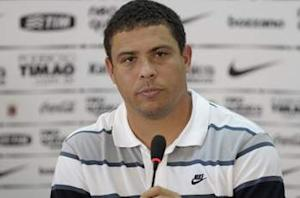 Ronaldo: Brazil will be under pressure to deliver at World Cup 2014