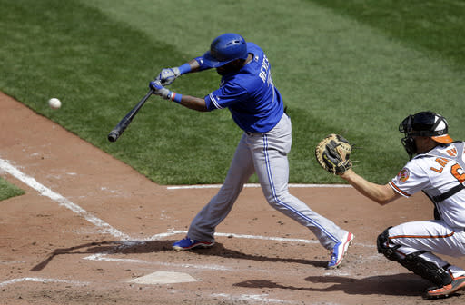 Blue Jays SS Reyes has cracked rib, out for weekend series