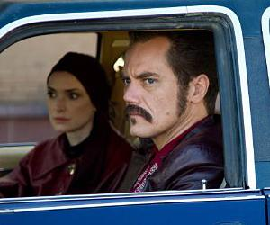 'The Iceman' Review: Michael Shannon Shines as Family Man, Mob Killer