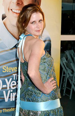 Premiere: Jenna Fischer at the Hollywood premiere of Universal Pictures' The 40-Year-Old Virgin - 8/11/2005