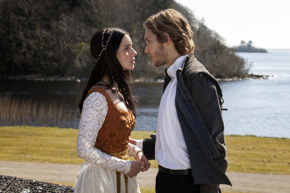 "This publicity image released by The CW shows Adelaide Kane as Mary, Queen of Scots, left, and Toby Regbo as Prince Francis in the pilot episode of ""Reign,"" premiering Oct. 17 at 9 p.m. EST on the CW network. (AP PhotoThe CW, Joss Barratt)"