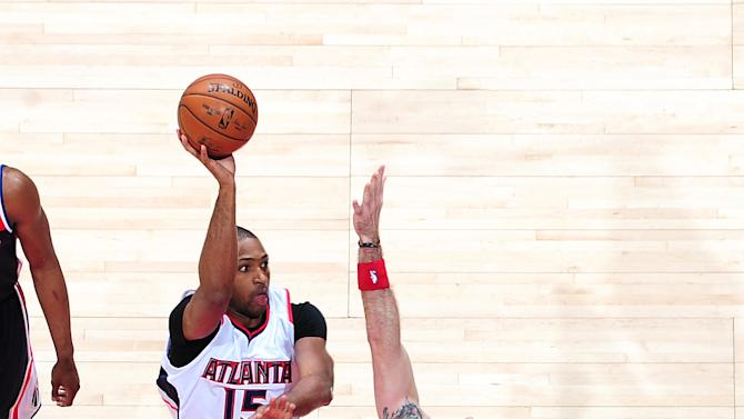 Hawks bounce back from loss, pull away from Wizards 105-96