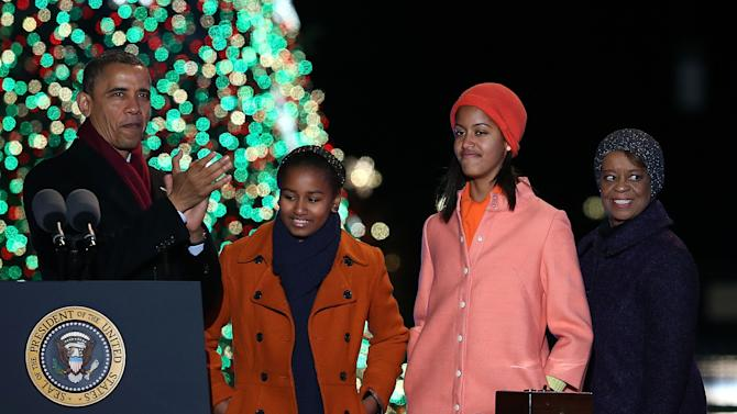 President Obama And Family Attend Nat'l Christmas Tree Lighting