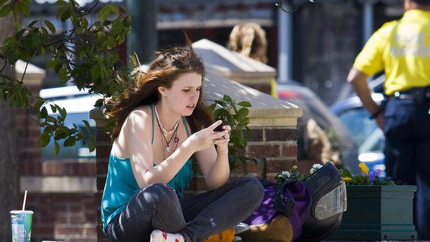 Texting Is Turning Us Into a Nation of Flakes