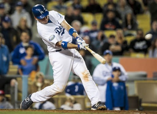 AJ Ellis 3-run HR in 9th leads LA over Astros 6-3