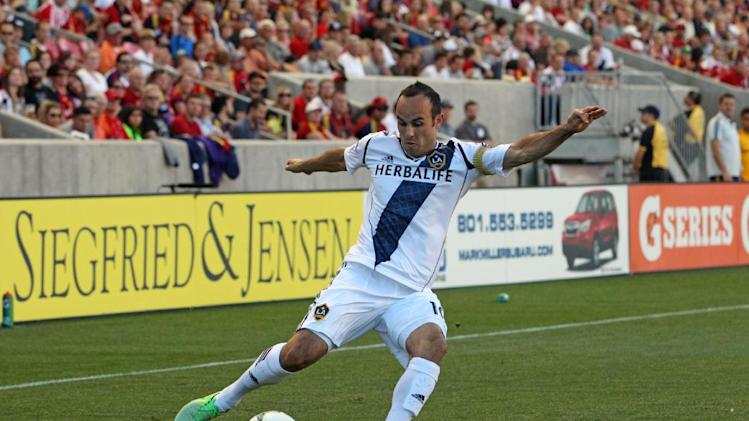 Donovan has hat trick; Galaxy, FC Dallas draw 3-3