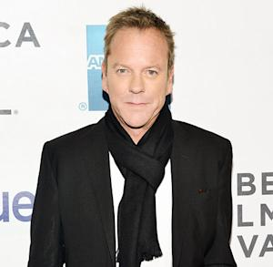 Kiefer Sutherland Does Drunk Striptease at Canadian Bar, Drinks With Demi Moore
