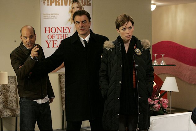 "David Cross as Ronnie Chase, Chris Noth as Dt. Robert Goren, and Julianne Nicholson as Detective Megan Wheeler in the ""Bombshell"" episode of Law & Order: Criminal Intent."
