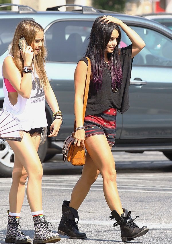 Vhud-tis vanessa hudgens ashley tisdale gym buddies 16
