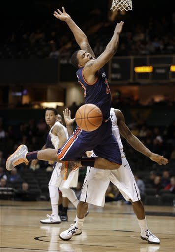 Johnson, Vanderbilt top Auburn 73-61