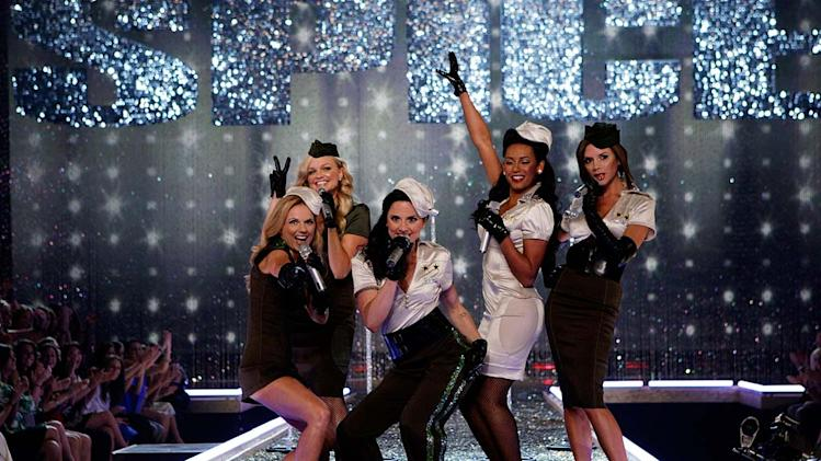 The Spice Girls perform at the 2007 Victoria's Secret Fashion Show.
