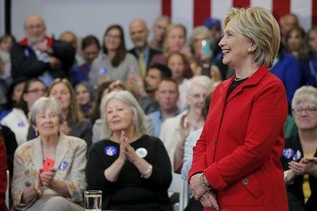 Clinton vows to take on gun lobby, pledges tighter restrictions