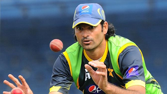 Pakistan paceman Mohammad Irfan, the tallest international cricketer ever at seven feet one inch, injured his hip at the World Cup in March, forcing him to miss Pakistan's crucial quarter-final against eventual champions and co-hosts Australia