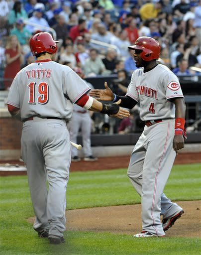 Leake's pitching, Wright's E send Reds past Mets