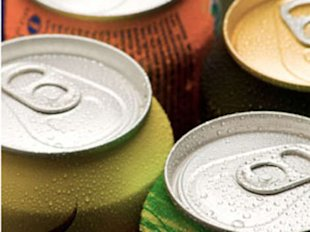 A 150-pound woman could drink 20 12-ounce cans of diet soda a day without exceeding the safety threshold.