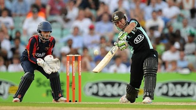 Ricky Ponting scored 65 from 54 balls but Surrey still lost