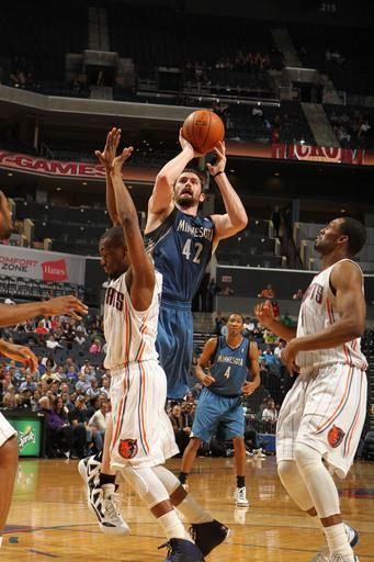 Love leads Timberwolves past Bobcats, 88-83