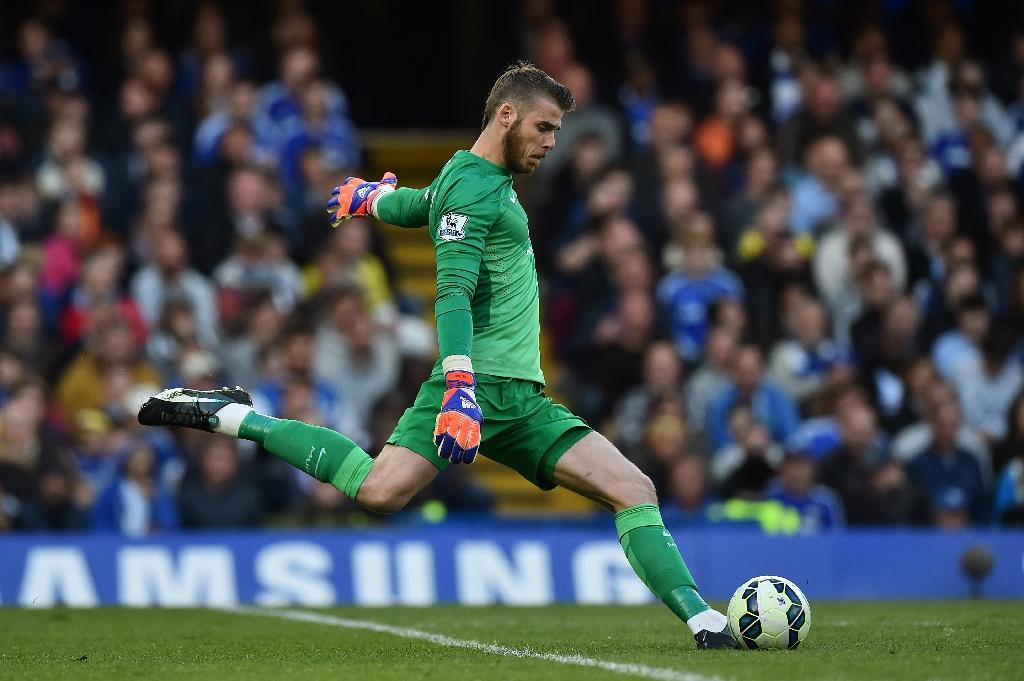 De Gea offered big money deal to stay at United - Van Gaal