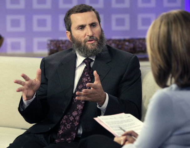 "FILE - In this Sept. 29, 2009 file photo, Rabbi Shmuley Boteach is interviewed by NBC ""Today"" television program co-host Meredith Vieira in New York. Boteach will face Rep. Bill Pascrell in New Jersey's 9th Congressional District as one of the hundreds of sacrificial lambs that will hit the campaign trail against heavily favored incumbents. (AP Photo/Richard Drew, File)"