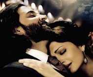 rticle on hot and happening on-screen couples of Bollywood. About Bollywood reel life couples who have taken over from Amitabh-Rekha and Shah Rukh-Kajol in Bollywood. Includes Akshay Kumar Katrina Kaif, Shahid Kapoor Priyanka Chopra, Emraan Hashmi Jacqueline Fernandez, Anushka Sharma Ranveer Singh and Hrithik Roshan Aishwarya Rai