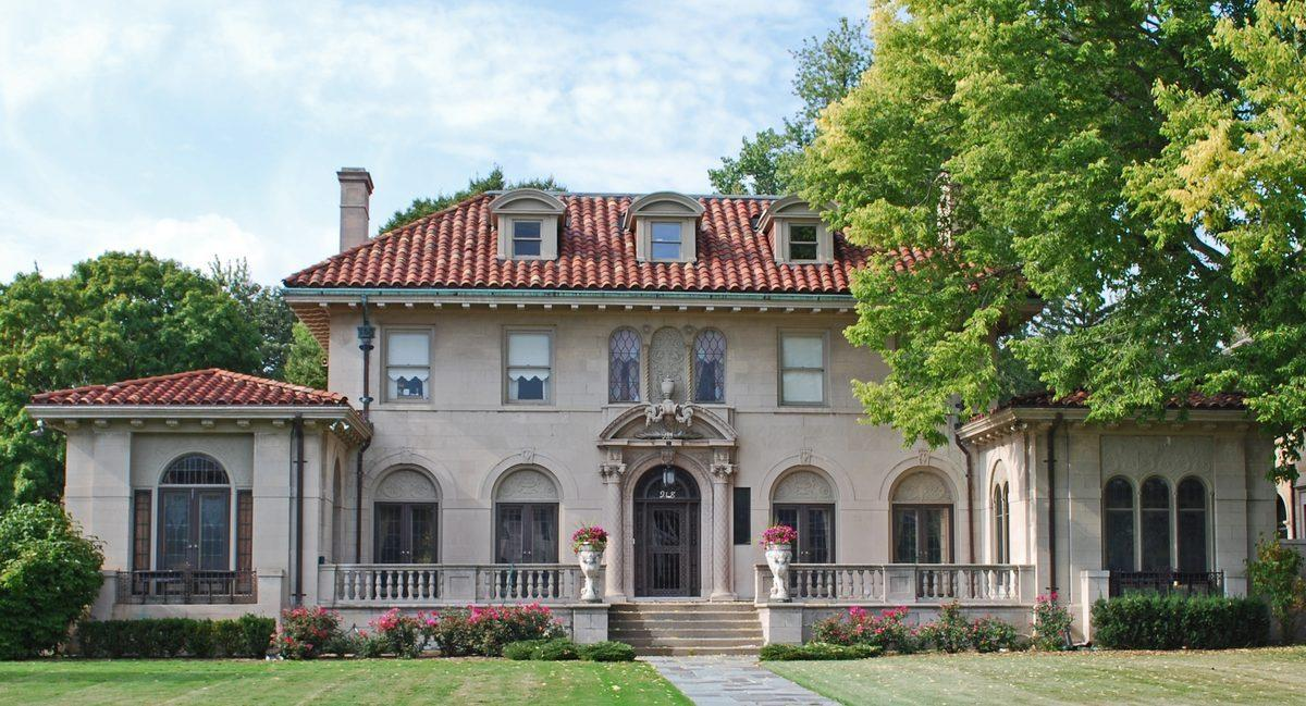 Motown Wire: The Famous Berry Gordy 'Motown Mansion' Wants $1.3M